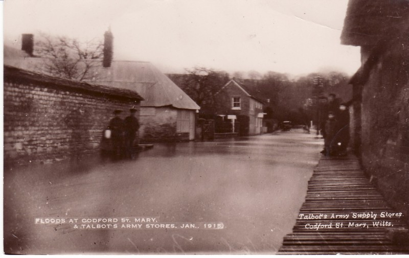 Flooding 1915 junction of Chitterne Rd and the High Street